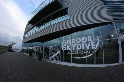 Hoog bezoek bij Indoor Skydive Roosendaal: Team Hanvol uit Frankrijk