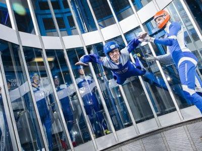 Zo ziet een werkdag van een indoor skydive instructeur eruit!