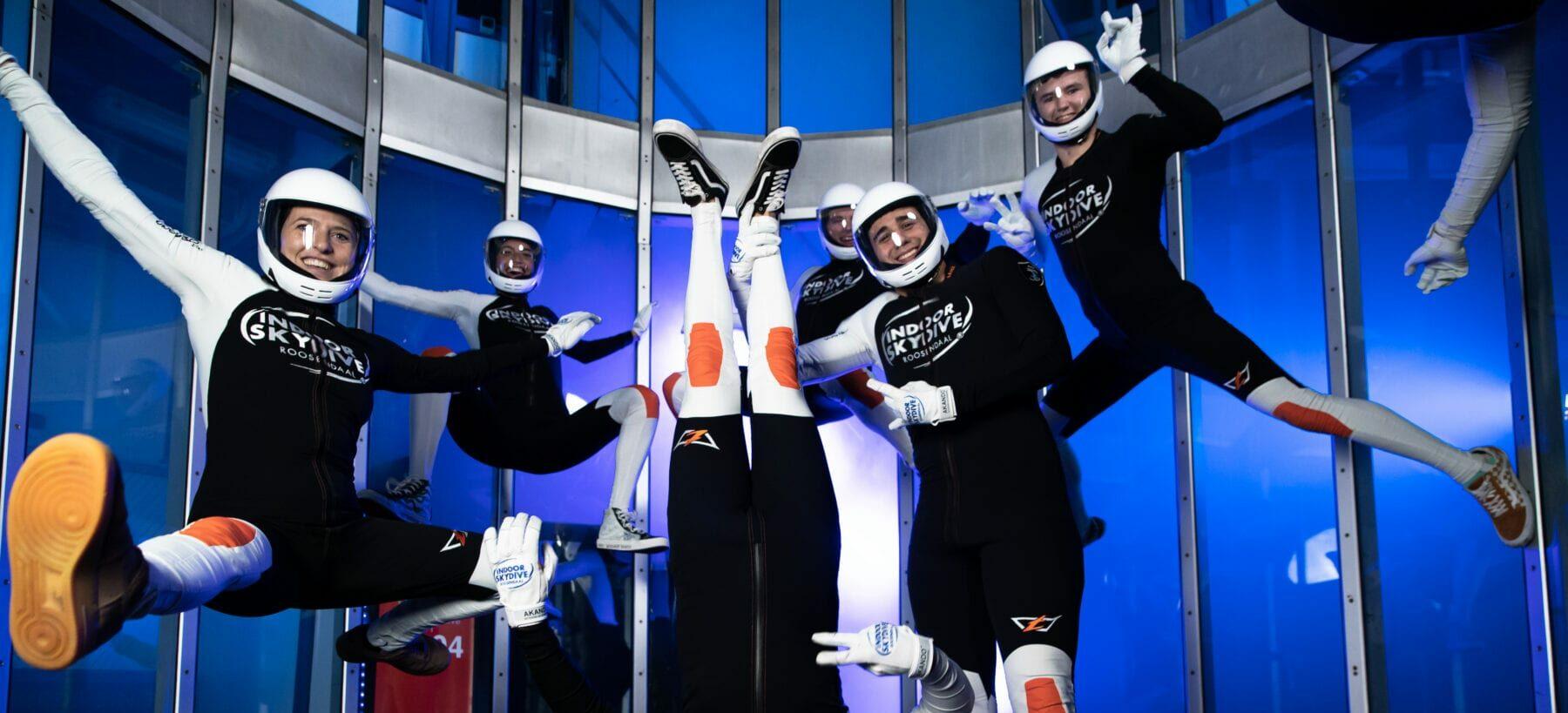 Hoe trainen instructeurs van Indoor Skydive Roosendaal de eigen vaardigheden?