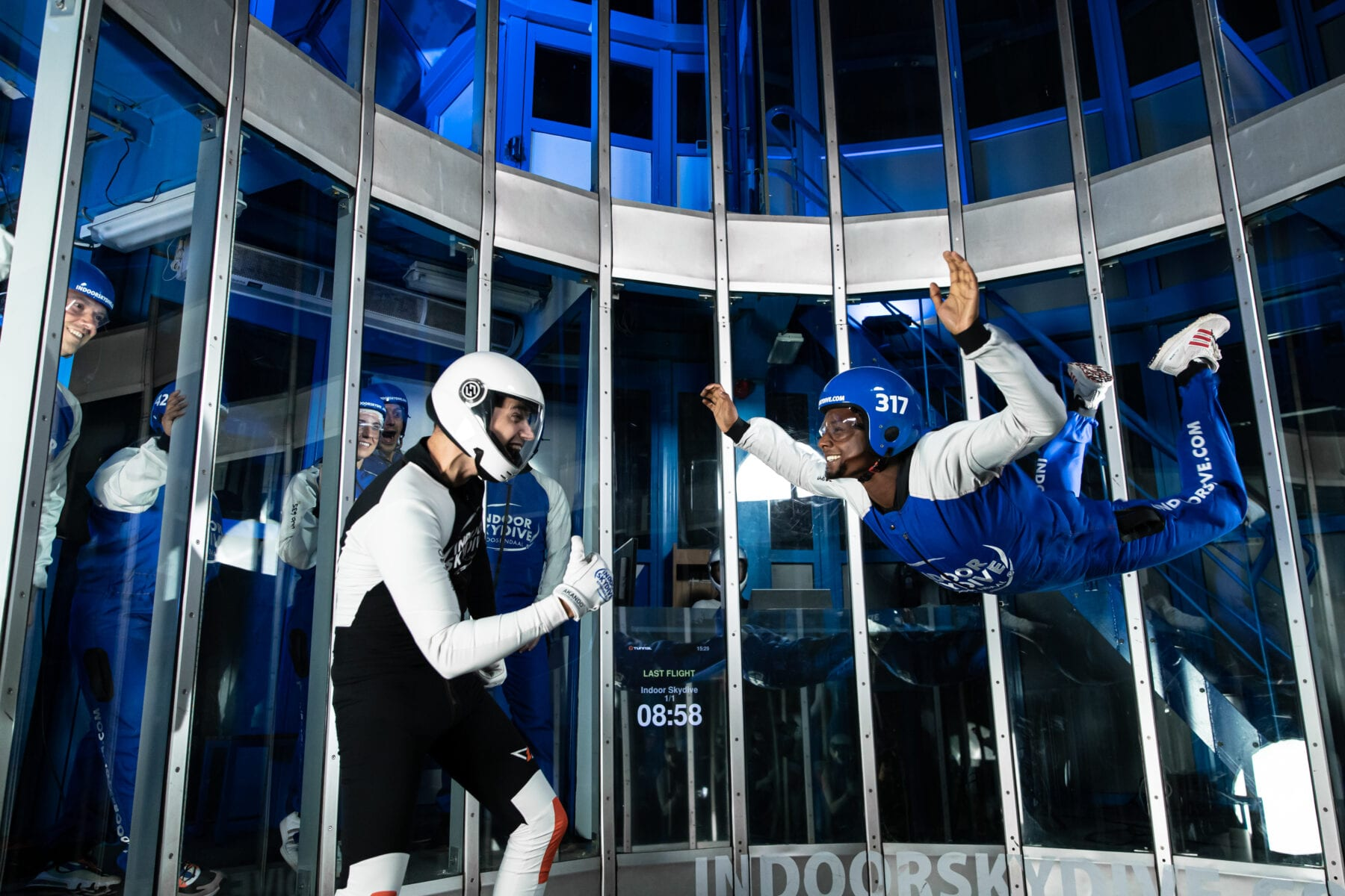 Indoor skydive virtual reality